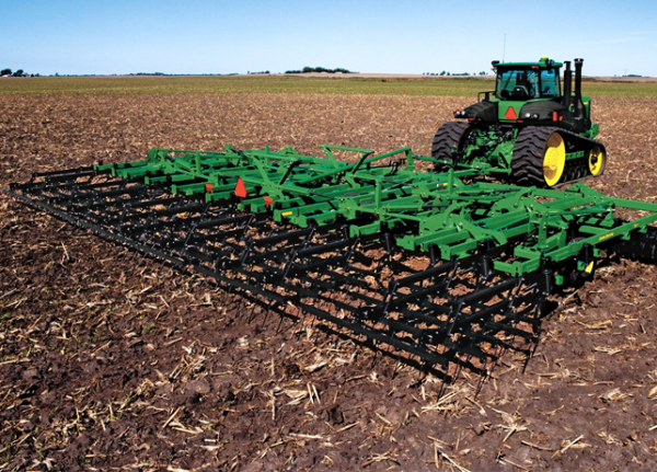 John Deere 2310 Mulch Finisher