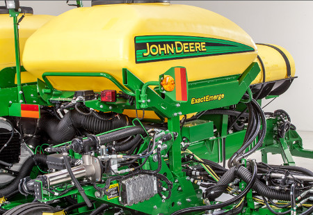 John Deere Planter Precise Liquid fertilizer placement with ExactRate Fertilizer System